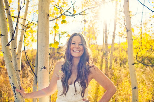 Amazing wedding photography in the fall in Aspen Colorado